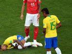 reaksi-penyerang-timnas-brasil-neymar_20180618_072025.jpg