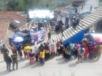 relawan-ngamen-ke-desa-desa-untuk-galang-dana-bagi-korban-gempa-sulawesi_20181101_115213.jpg