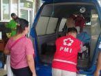 relawan-pmi-kulon-progo-membantu-mencarikan-rs-bagi-seorang-korban-kecelakaan-lalu-lintas.jpg