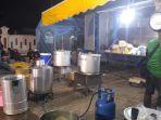 relawan-siapkan-makanan-untuk-pengungsi-banjir-rob-pekalongan_20180525_080147.jpg