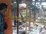 rumah-milik-sukijan-lokasi-terjadinya-ledakan-bahan-bahan-pembuatan-petasan.jpg
