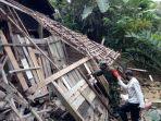 rumah-terdampak-longsor-di-desa-gripit-kecamatan-banjarmangu-banjarnegara-3122020-lalu.jpg