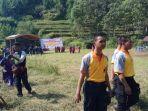 saat-pemantauan-jalan-di-desa-rembul-kecamatan-bojong-kabupaten-tegal_20180514_125343.jpg