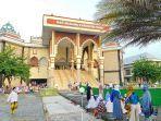 salat-id-di-masjid-agung-kabupaten-tegal.jpg