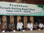 salat-tarawih-bupati-blora_20180522_193944.jpg