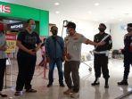 satpol-pp-cilacap-geram-banyak-tak-pengunjung-mall-tak-pakai-masker.jpg