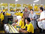 sby-dan-ani-yudhoyono-kunjungi-pabrik-jamu-sido-muncul_20180411_184052.jpg