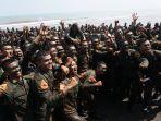 sebanyak-363-taruna-akademi-militer-akmil-tingkat-ii-telah-menyelesaikan-latihan.jpg