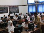 sebanyak-504-siswa-mengkuti-ujian-nasional-berbasis-komputer-unbk_20170410_155352.jpg