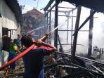 sebuah-rumah-di-desa-bajomulyo-kecamatan-juwana-terbakar-1.jpg