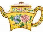 sebuah-teko-dari-china-pada-abad-ke-18-terjual-hampir-500000-dollar-as.jpg