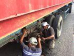 sebuah-truk-container_20180508_154130.jpg