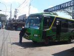 sejumlah-bus-parkir-di-pintu-terminal-penggaron_20170602_163842.jpg