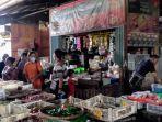 sejumlah-pedagang-dan-pembeli-di-pasar-tradisional-kota-kendal-memadati-pasar.jpg