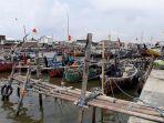 sejumlah-perahu-nelayan-tambak-lorok-semarang-utara.jpg