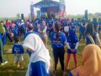 senam-pagi-bakar-semangat-ribuan-peserta-jalan-sehat-festival-semarangan_20160911_072729.jpg