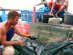 seorang-nelayan-asal-roban-timur-kecamatan22122020.jpg