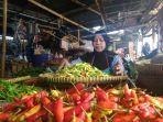 seorang-penjual-cabai-di-pasar-pagi-kota-tegal-22.jpg