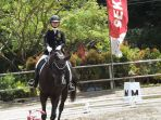 seorang-peserta-menunggangi-kuda_20180211_183600.jpg