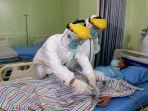 simulasi-penanganan-penderita-virus-corona-di-rsud-loekmono-hadi-kabupaten-kudus-sabtu-122020.jpg