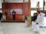 sinoeng-lantik-dua-kepala-desa-kabupaten-tegal_20180301_112417.jpg