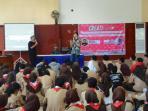 siswa-sma-5-mengikuti-seminar-ceratividio_20160505_191739.jpg