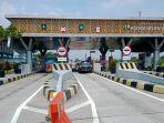 situasi-lalu-lintas-di-gerbang-tol-karanganyar-sabtu-152021-siang.jpg