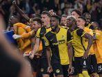 skuad-young-boys-merayakan-kemenangan-antas-manchester-united.jpg