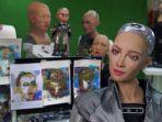 sophia-menjawab-pertanyaan-di-studio-hanson-robotics-di-hong-kong.jpg