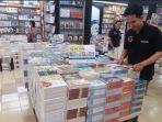 store-assosiate-toko-buku-gramedia-pandanaran_20180109_170825.jpg