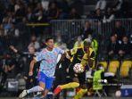 striker-manchester-united-asal-portugal-cristiano-ronaldo-kiri-dan-bek-young-boys.jpg