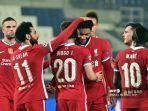striker-portugal-liverpool-diogo-jota-diberi-selamat-oleh-gelandang-liverpool-mesir-mohamed-salah.jpg