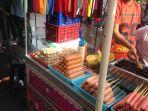 suasana-cfd-di-jalan-pahlawan-semarang-pengunjung-memadati-stand-stand-penjual-makanan_20180121_072104.jpg