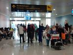 suasana-di-terminal-kedatangan-bandara-ahmad-yani-semarang_20180717_222452.jpg