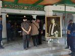 suasana-keraton-kasepuhan-kecamatan-lemahwungkuk-kota-cirebon-rabu-2272020-siang.jpg