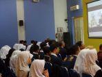 suasana-video-conference-pajak-bertutur-di-sman-3-semarang-jumat-1182017_20170811_114621.jpg