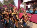 suku-indian-jadi-pusat-perhatian-di-karnaval-desa-keborangan-batang_20180826_225616.jpg