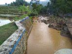sungai-cipendok-keruh-lagi-usai-wilayah-itiu-diguyur-hujan_20181024_163707.jpg