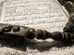 surat-al-jumuah-lengkap-arab-latin-dan-artinya.jpg