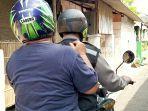suwardi-59-warga-kelurahan-joyosuran-pasar-kliwon-ketika-dijemput-oleh-bhabinkamtibmas.jpg