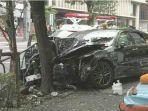 taksi-di-tokyo-menabrak-pohon-seorang-lansia-berusia-70-tahun-meninggal-dunia.jpg