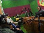 talkshow-di-radio-abirawa.jpg