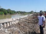 talut-sungai-pemali-di-desa-tengki-kabupaten-brebes-roboh_20170820_112048.jpg