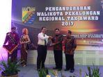 tax-award-pekalongan_20171128_130545.jpg