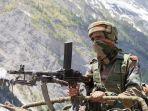 tentara-india-berjaga-di-pos-keamanan-perbatasan-kashmir-dengan-pakistan.jpg