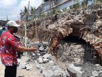 terowongan-ditemukan-di-bekas-embung-di-desa-sabrang-lor-kecamatan-trucuk-kabupaten-klaten.jpg