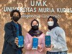 tiga-mahasiswa-umk-menunjukkan-aplikasi-silapos-1-2.jpg
