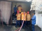 tiga-mobil-dalam-garasi-terbakar-di-kawasan-pecinan-kranggan_20180812_144901.jpg