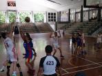 tim-basket-putri-sma-tritunggal-biru-melawan-tim-putri-sma-karangturi-putih_20160122_191620.jpg
