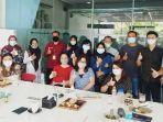 tim-fakultas-ekonomi-usm-foto-bersama-saat-acara-pelatihan-trading.jpg
